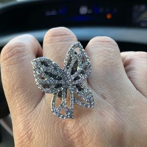 Jewelry - Butterfly statement ring sz 6